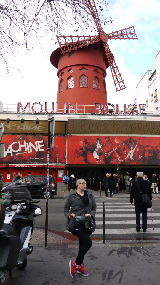 Ally Katte & her suitably red sneakers outside the Moulin Rouge (c) Ally Katte