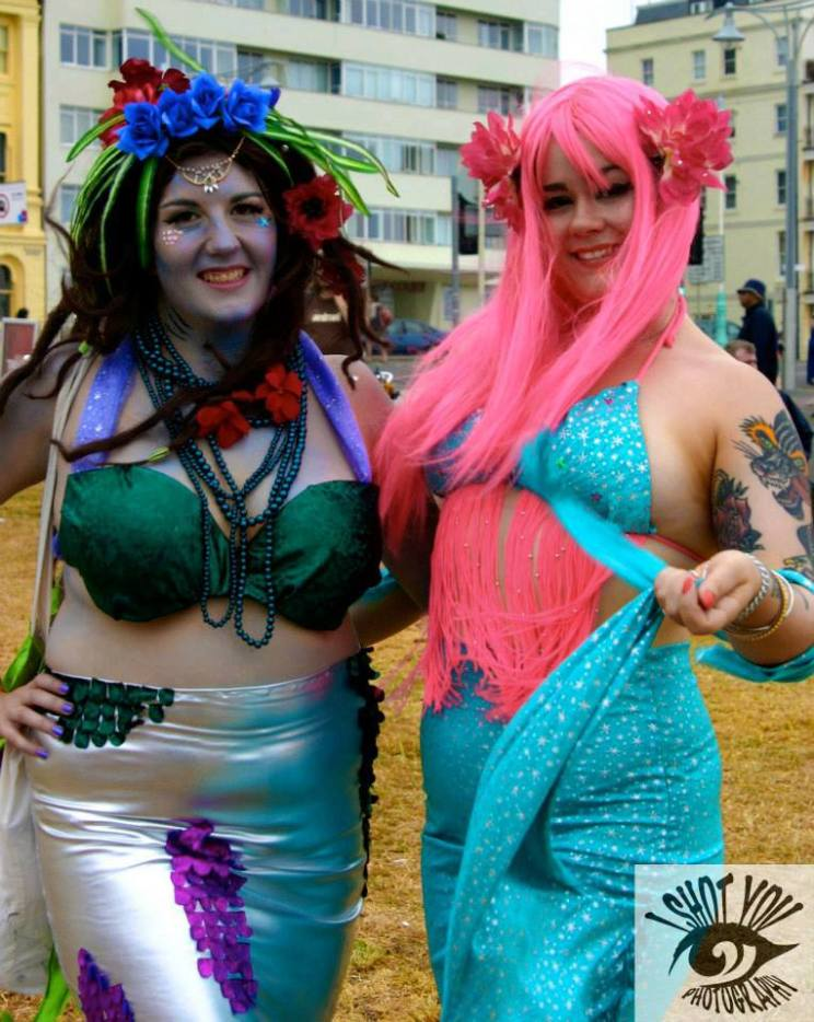 Tuesday Laveau and Ally Katte gathering on Hove Lawn with the rest of the Mer-People (c) I Shot You