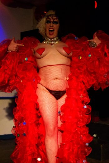 Expert at pushing boundaries! The fabulous Rubyyy Jones at the Bristol Burlesque Festival (C) Michael Goes Click