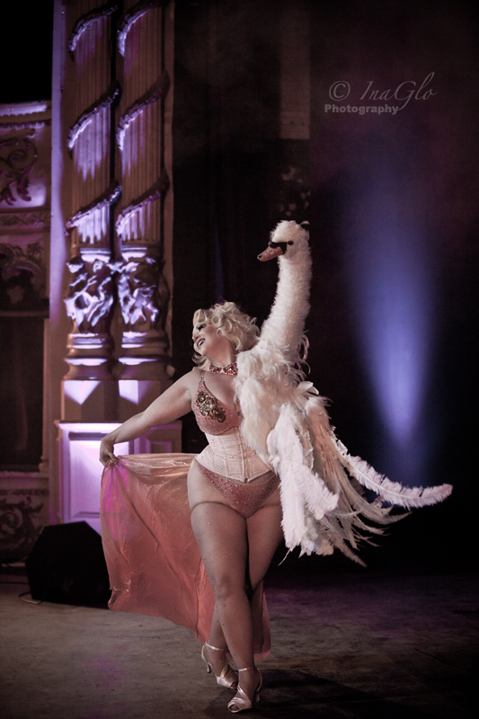Dirty Martini's European premier of her stunning new act!