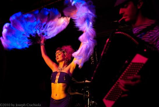 Kitty Twist at New Orleans' Hi-Ho Lounge (c)